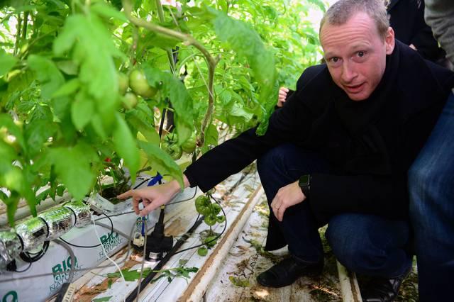 De Wijnpers volgt groei planten met hartslagmeter - HLN Leuven.jpeg
